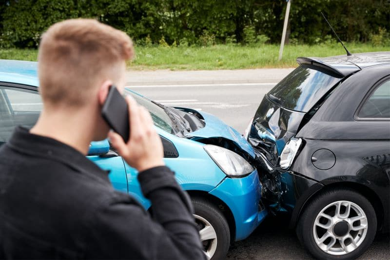 HOW TO HIRE A CAR ACCIDENT LAWYER
